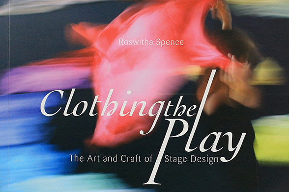 Charlotte Fischer | Publikation | Clothing the Play